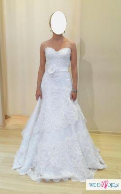 Piękna koronkowa suknia slubna