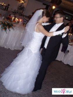 Piękna, lekka i wygodna suknia ślubna (biała, 36/38)