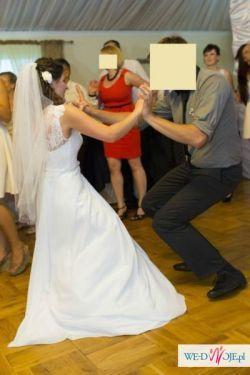 Piękna muślinowa suknia ślubna z koronką