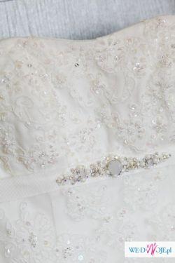 Piękna ponadczasowa suknia z hiszpańskiej koronki