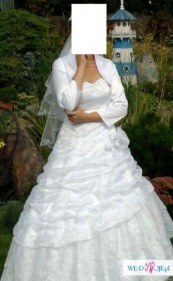 Piękna śnieżnobiała suknia ZOBACZ!
