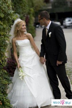 Piękna stylowa suknia w doskonałym stanie