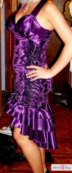 piękna sukienka wieczorowa.