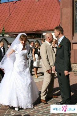 piękna sukni ślubna