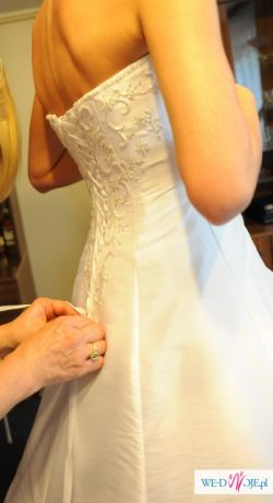 Piękna suknia ANNAIS BRIDAL model LILIAN