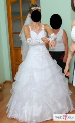 piękna suknia biała