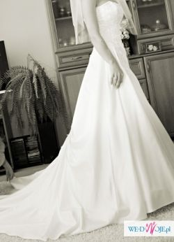 piękna suknia Cosmobella, kolor ivory, rozm. 36