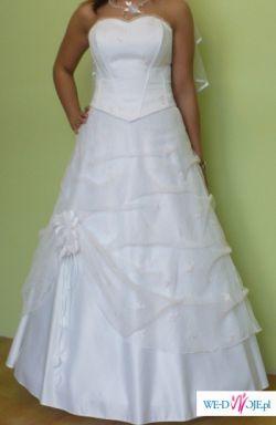 piękna suknia + dodatki