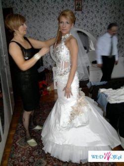 Piekna suknia kryształki swarovskiego nowa kolekcja Farage