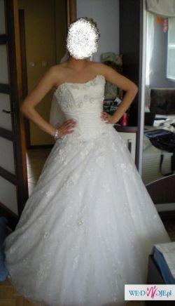 Piękna suknia Mon Cheri 211