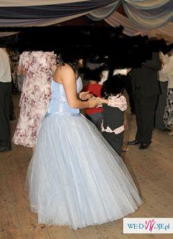 Piękna suknia niebieska- księżniczka