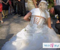piekna suknia ślubna