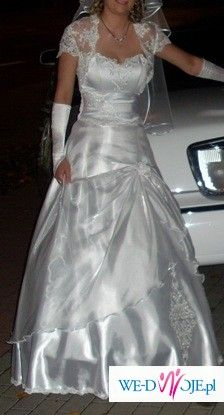 piekna suknia slubna