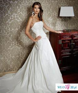 Piękna suknia ślubna Evan z kolekcji Herm's