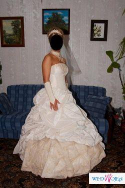 piekna suknia slubna Grenada dla wyjatkowej panny mlodej