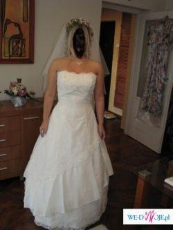 Piękna suknia ślubna/Herms Kivor
