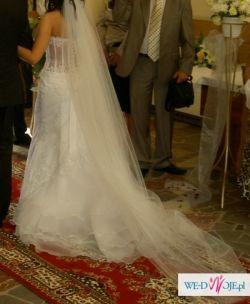Piękna suknia ślubna Melody - biała