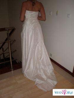 Piękna suknia ślubna model SEMILLA