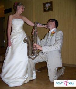 Piękna suknia ślubna, model White one,salon Mystique