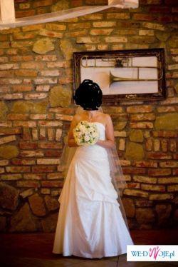 Piękna Suknia ślubna Pronovias Nepal