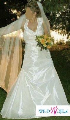 piekna suknia slubna prosto z paryza