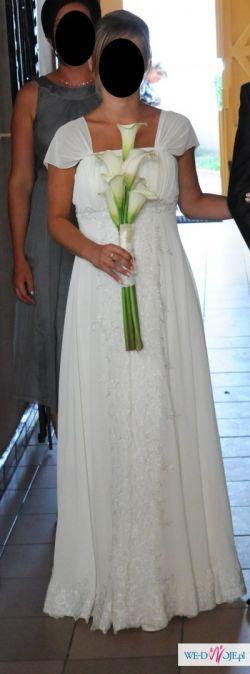 Piękna suknia ślubna- skromna i elegancka!