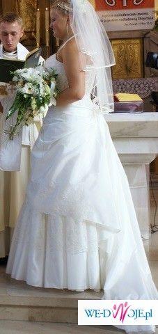 piękna suknia ślubna w rozmiarze 42/44