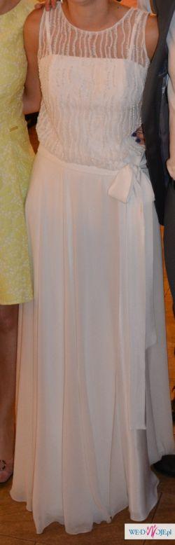 Piękna suknia ślubna w stylu greckim z odpinanym trenem