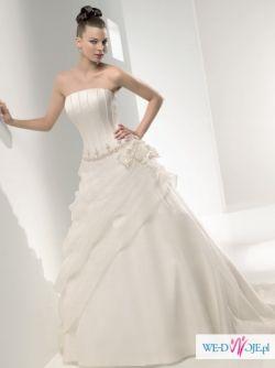 Piękna suknia ślubna, welon gratis