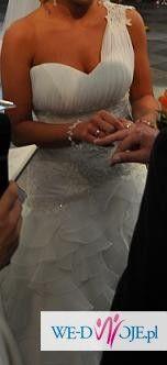 piękna suknia ślubna z kolekcji 2011