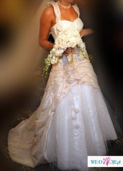 Piękna suknia ślubna z kolekcji Agnes 2008, nr modelu 1744