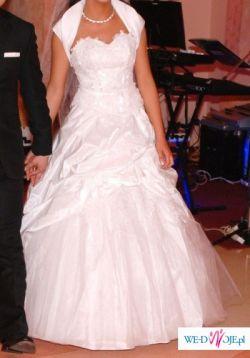 Piękna suknia ślubna z kolekcji La Sposa