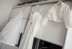 piekna suknia ślubna z muślinu