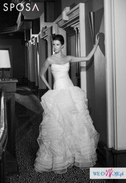 Piękna suknia Slubna z nowej kolekcjii 2013