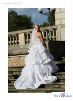 Piękna Suknia Ślubna z salonu BIANCANEVE