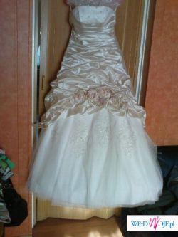 piękna suknia ślubna za małe pieniądze!