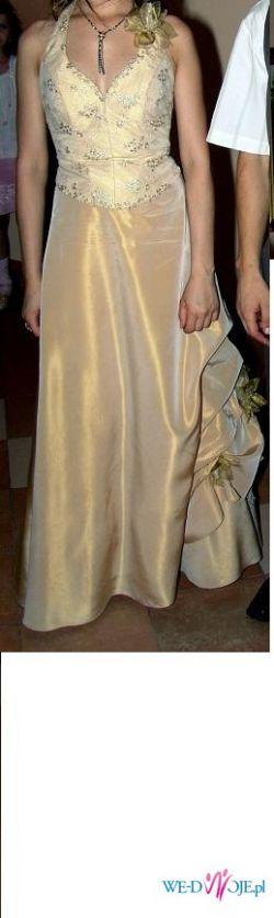 Piękna suknia w kolorze tofii