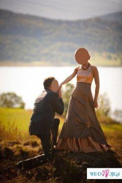 Piękna suknia w kolorze zloto-brązowym