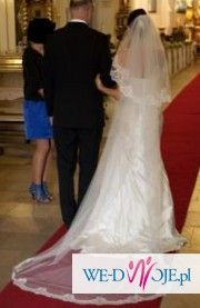 Piękna suknia White one - model 411 z oryginalnym długim welonem w komplecie
