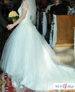 Piękna suknia za przystępną cenę