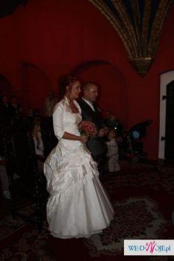 Piękną suknię ślubnę w rozmiarze 38-40 raz używaną sprzedam
