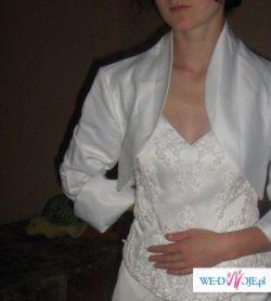 piekna tania suknia