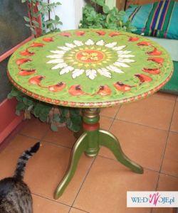 piekny malowany stolik