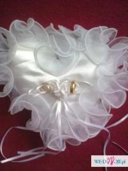 Poduszka na obrączki - białe serduszko!