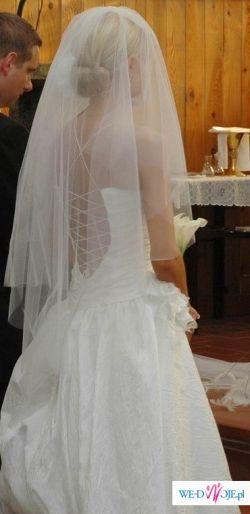 POZNAŃ, Anna Lachor, biała suknia wiązana plecach