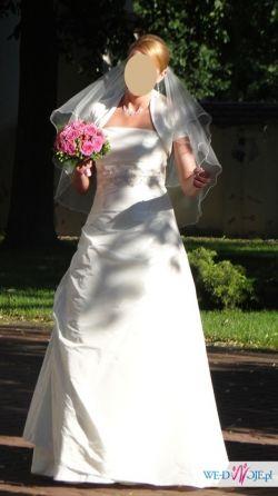 Prosta i elegancka suknia Marietta CLARIE