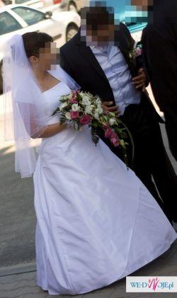 Prosta i elegancka suknia ślubna z salonu Cymbeline