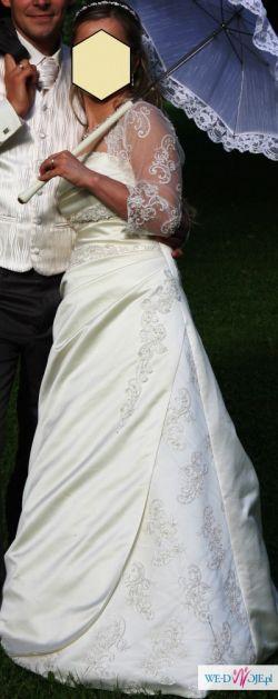 Przepiękna klasyczna suknia ślubna z salonu Estera