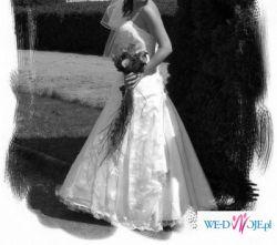 Przepiękna koronkowa suknia ślubna Sincerity