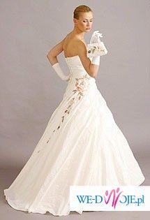 Przepiękna suknia firmy Agora 26-10 z kryształkami swarovskiego